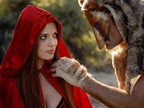 Красная Шапочка нарвалась на жесткий трах с Волком