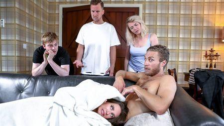 Девица с маленькой грудью изменяет мужу с актёришкой