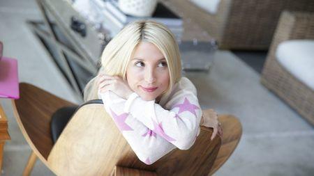 Миниатюрная блондинка совсем не против спермы бойфренда в её киске